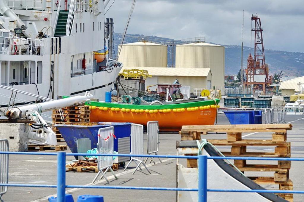 [Vie des ports] Les ports de la Réunion - Page 14 Port_d96