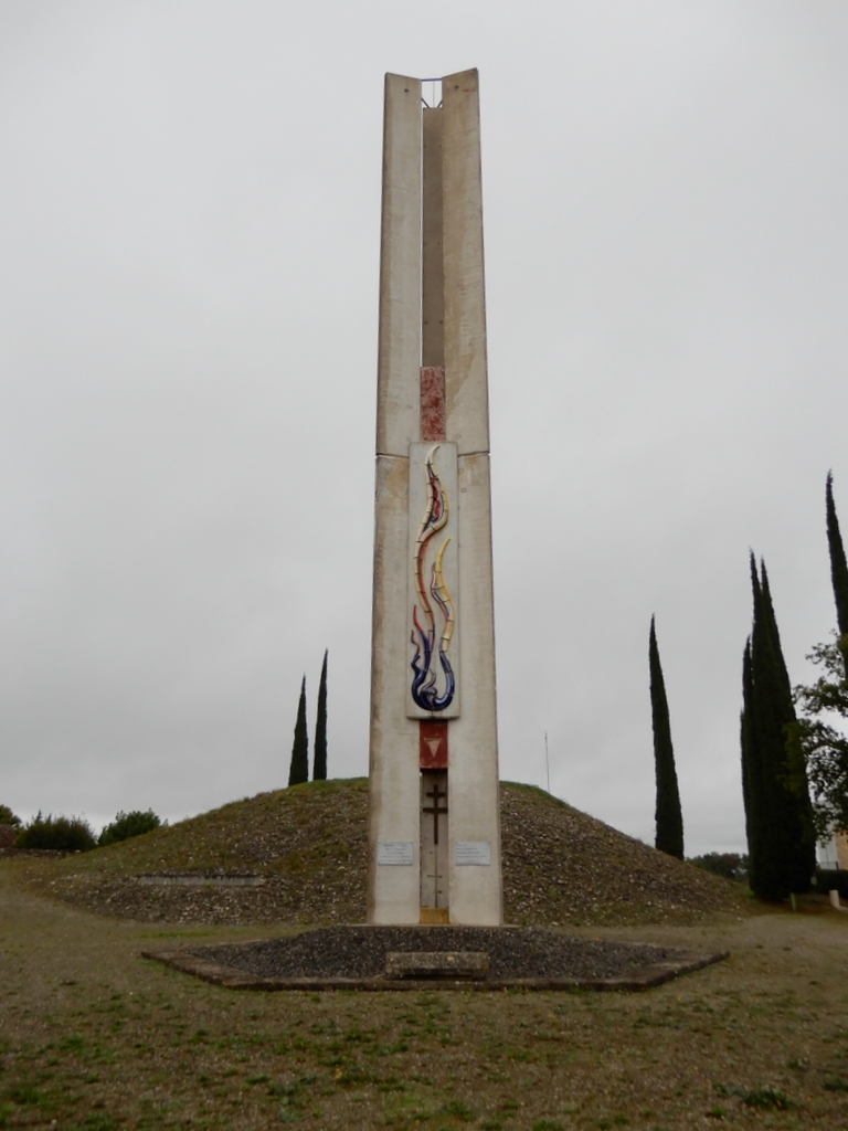 [ Histoires et histoire ] Monuments aux morts originaux Français Tome 2 - Page 13 C_est_66