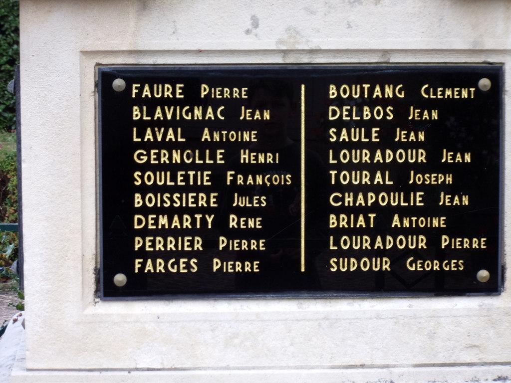 [ Histoires et histoire ] Monuments aux morts originaux Français Tome 2 - Page 13 Le_pes23