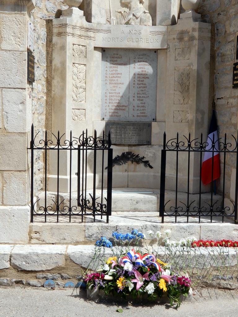 [ Histoires et histoire ] Monuments aux morts originaux Français Tome 2 - Page 23 Monume22