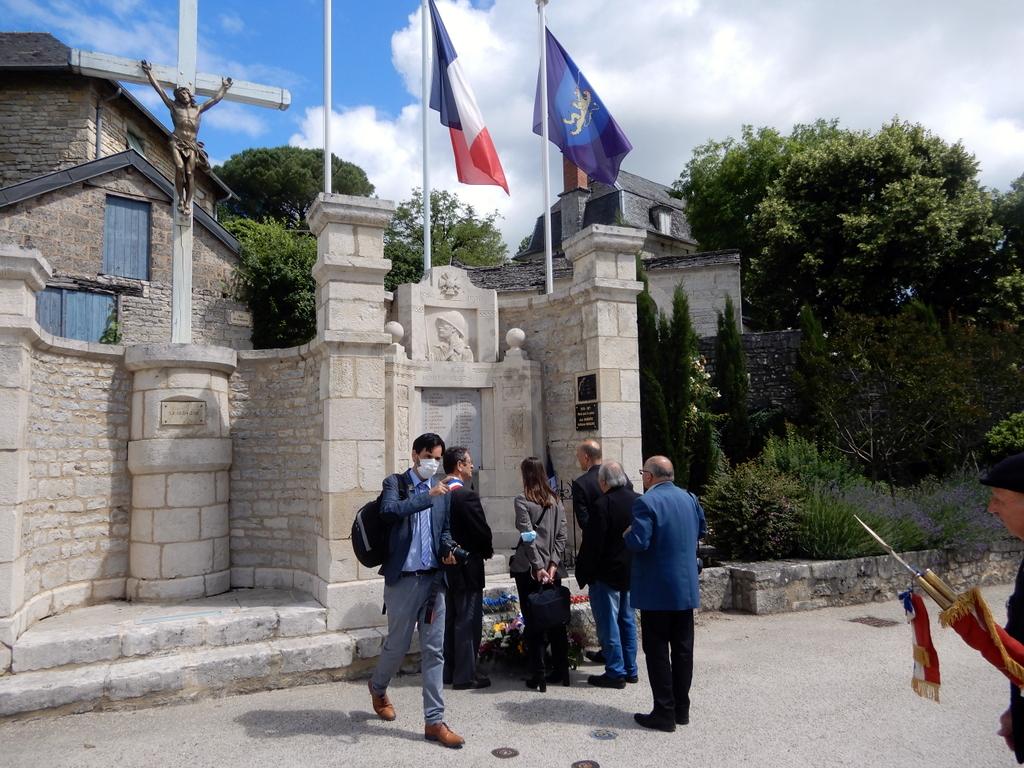 [ Histoires et histoire ] Monuments aux morts originaux Français Tome 2 - Page 23 Monume25