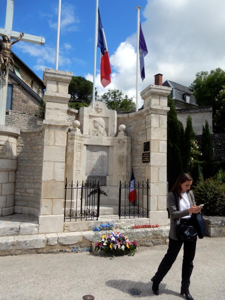 [ Histoires et histoire ] Monuments aux morts originaux Français Tome 2 - Page 23 Monume26