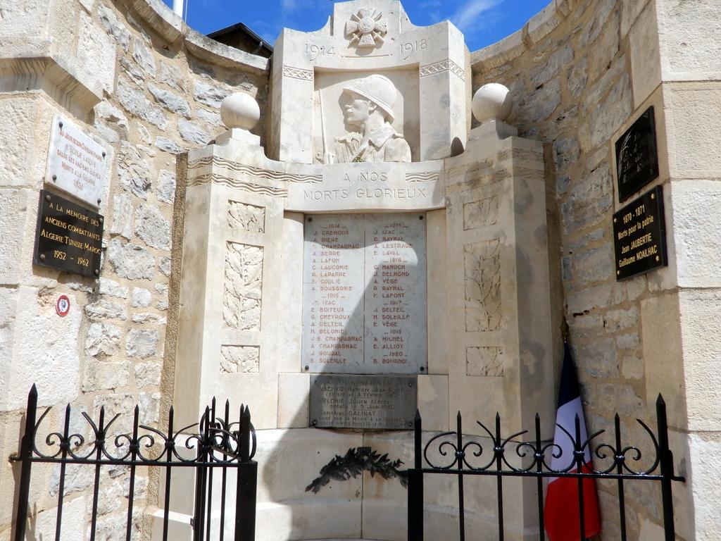 [ Histoires et histoire ] Monuments aux morts originaux Français Tome 2 - Page 23 Monume27