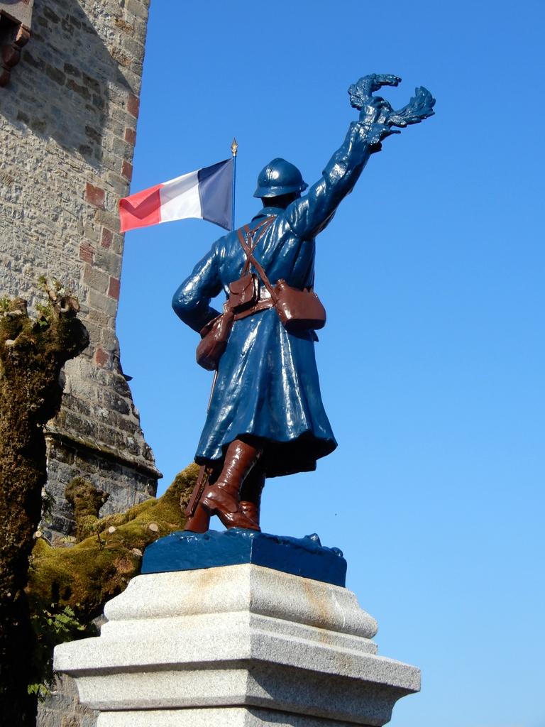 [Histoires et Histoire] Monuments aux morts originaux Français Tome 2 - Page 11 Pecher15