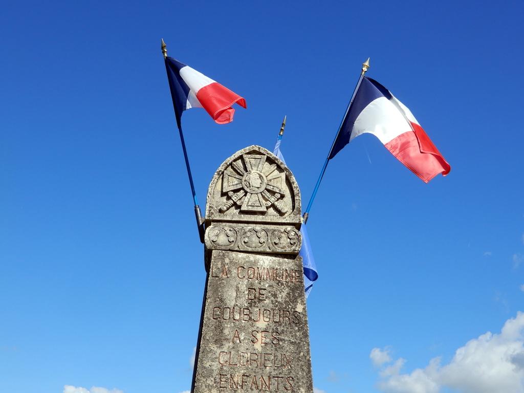 [ Histoires et histoire ] Monuments aux morts originaux Français Tome 2 - Page 18 Solei195