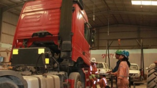 فرص عمل بكندا لفائدة ميكانيكي الشاحنات  A_aa_o10