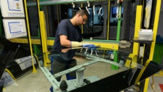 مصنع زجاج السيارات AGC Automotive Induver توظيف تقنيين في عدة تخصصات Agc_au10