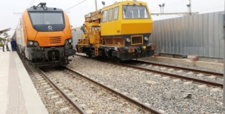 شركة تابعة للمكتب الوطني للسكك الحديدية توظيف 10 عمال صيانة الشبكة و 15 عون حراسة مواقع تقاطعات السكة مع الطريق Ao_ooo11