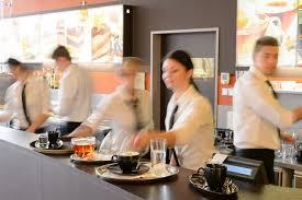 شركة لمجموعة علامات تجارية دولية توظيف 13 عون متعدد خدمات المطاعم بالدرالبيضاء براتب 3600 درهم Employ12