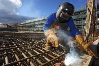 شركة بناء توظيف 20 عامل بناء مساعد و عامل حداد و عامل نجار بمراكش Engor_10