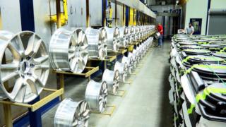 شركة لصناعة عجلات ألمنيوم للسيارات بطنجة توظيف تقنيين و عمال انتاج Hands_10