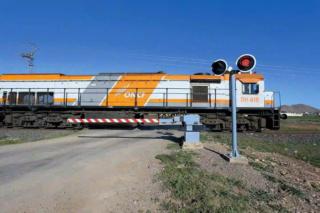 شركة في مجال خدمات السكك الحديدية تشغيل 25 منصب حارس حواجز تقاطع السكك الحديدية في عدة مدن  Infraw10