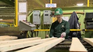 شركة متخصصة في انتاج الخشب و ومشتقاته بكندا توظيف 45 عامل على آلات التقطيع للمغاربة الحاصلين على الباك و اكثر بقد عمل دائم  J_d_ir10