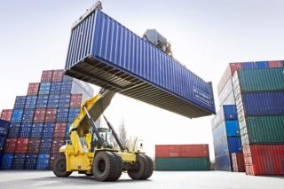 شركة بطنجة توظيف 16 منصب عمال مناولة الميناء - تحميل وتفريغ السفن بميناء طنجة Manute10