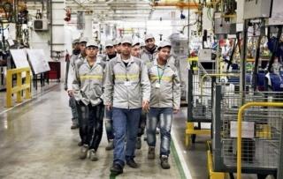 مصنع رونو طنجة توظيف 300 عامل و عاملة خط انتاج بجميع الشواهد و الدبلومات 2019 Renaul10