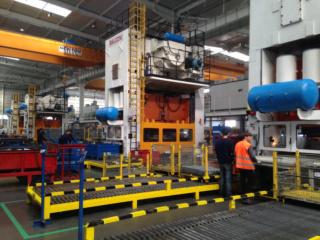 مصنع دولي متخصص في ختم وتقطيع الصفائح المعدنية الخاصة بالسيارات توظيف 10 عمال مؤهلين براتب 3800 درهم شهريا Snop-t10