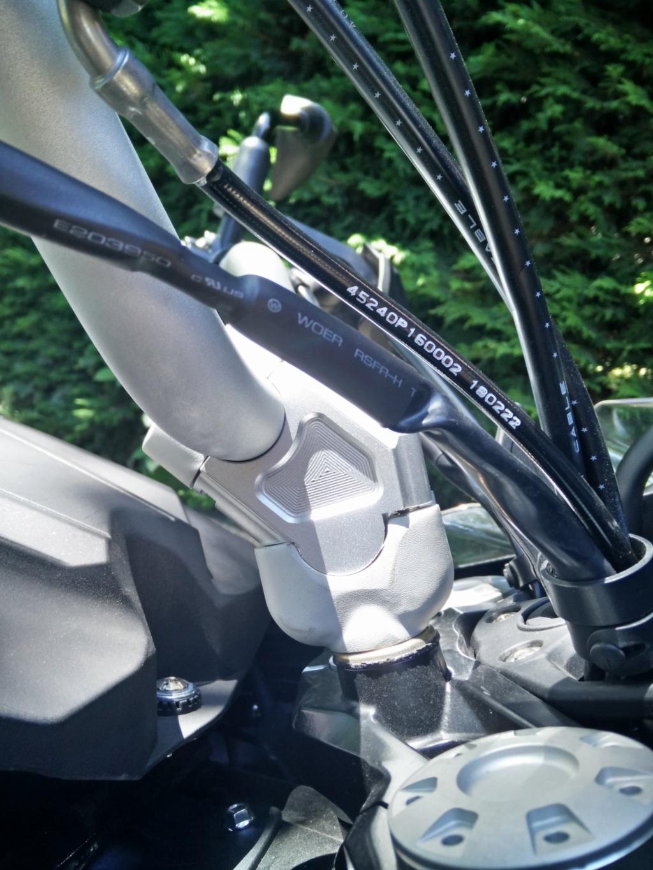 La moto, les accessoires, l'entretien (avec des liens) ... Img_2020