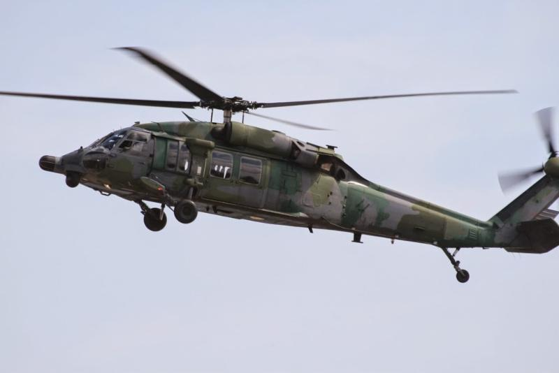 4  Blackhawk UH-60L  S 70  A  B  FOR SALE OR LEASE Downlo10