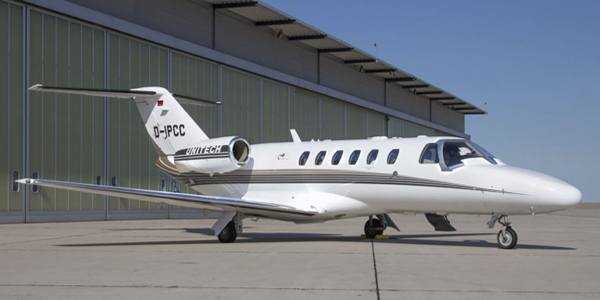JET Aircraft  E4779410