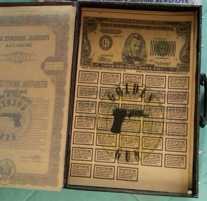 Offer Golden GUN  Super Petchili 1913 +  dinars  two boxes in Miami Whatsa12
