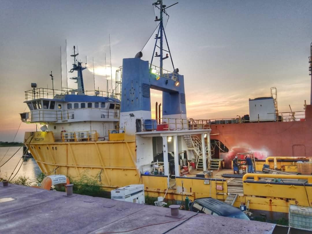 Offer Boat    JRP Encounter Whatsa56