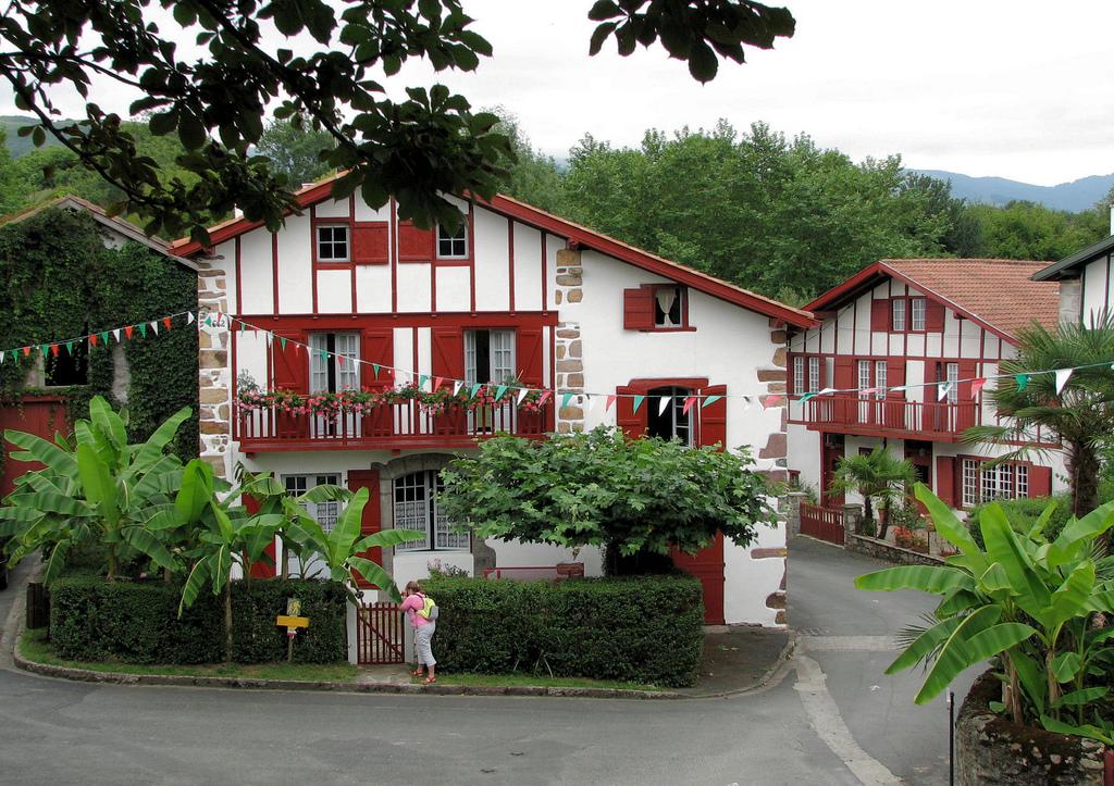 Les plus beaux villages de France  41714410