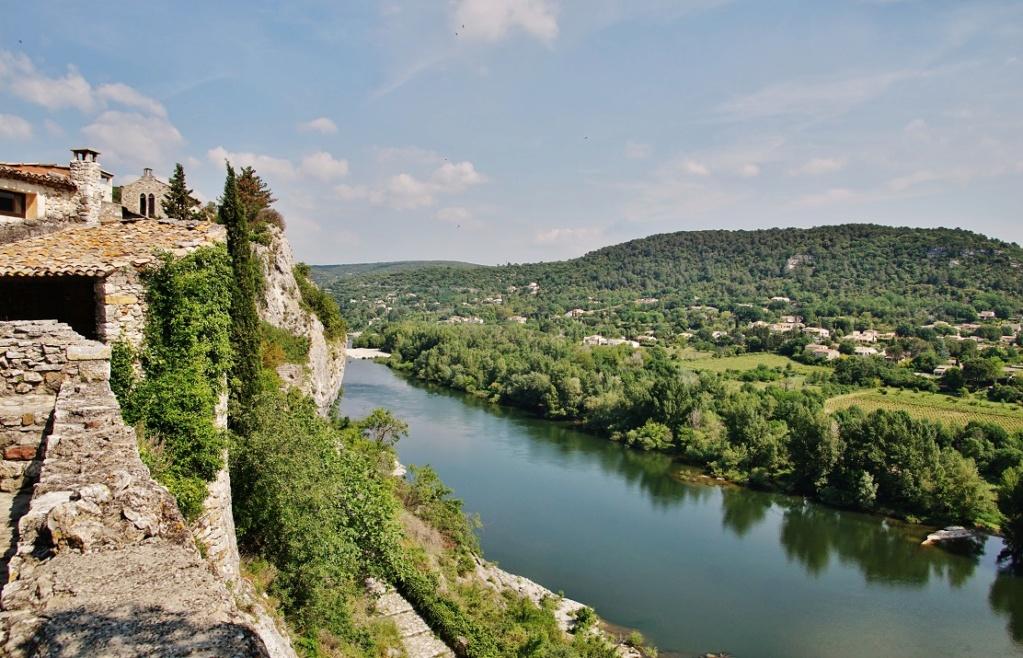 Les plus beaux villages de France  Aiguez11