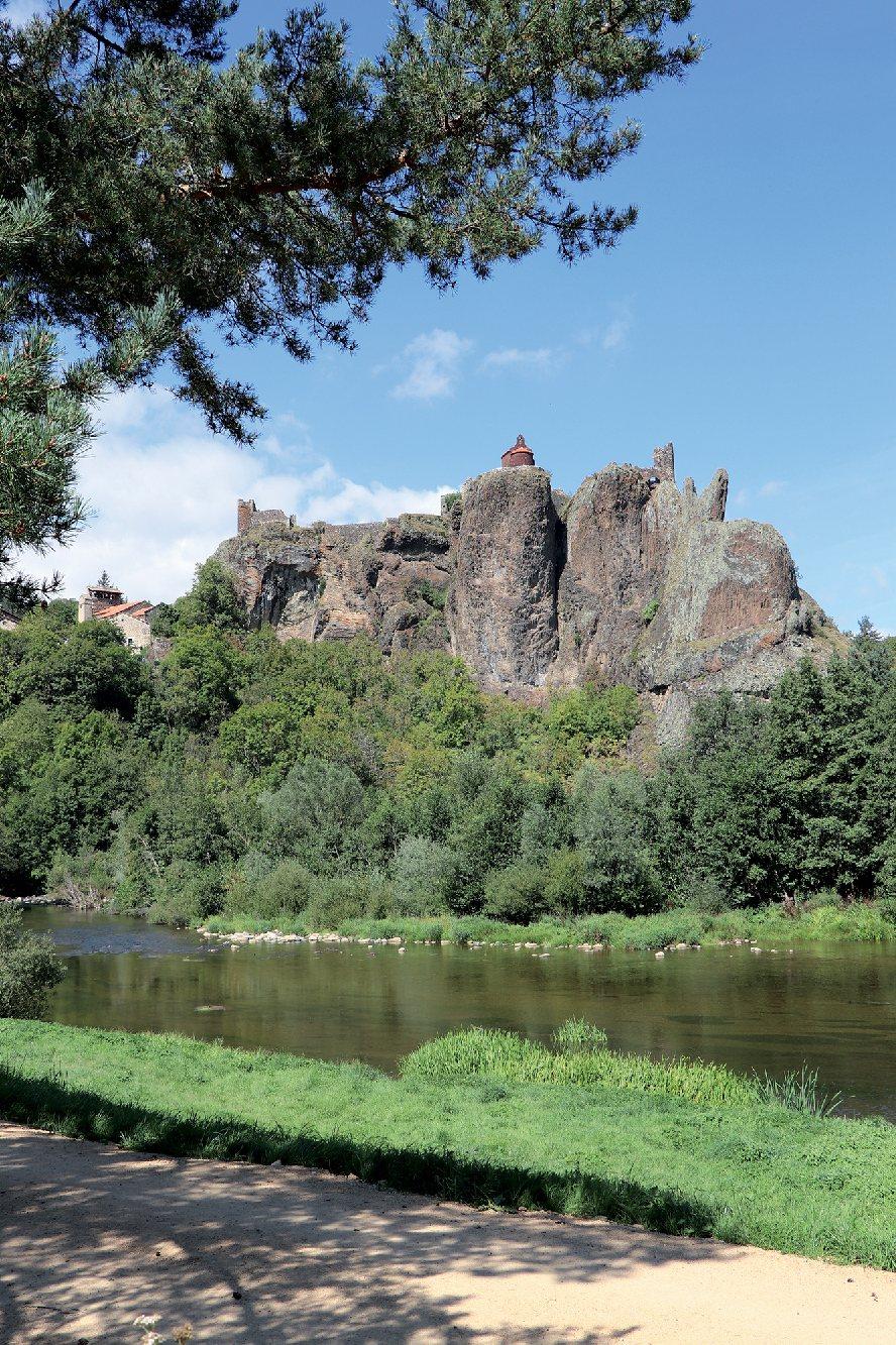 Les plus beaux villages de France  Arlemp12
