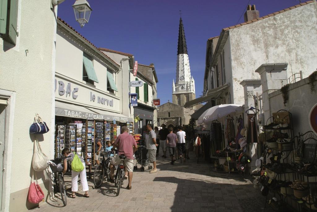 Les plus beaux villages de France  Ars-en12