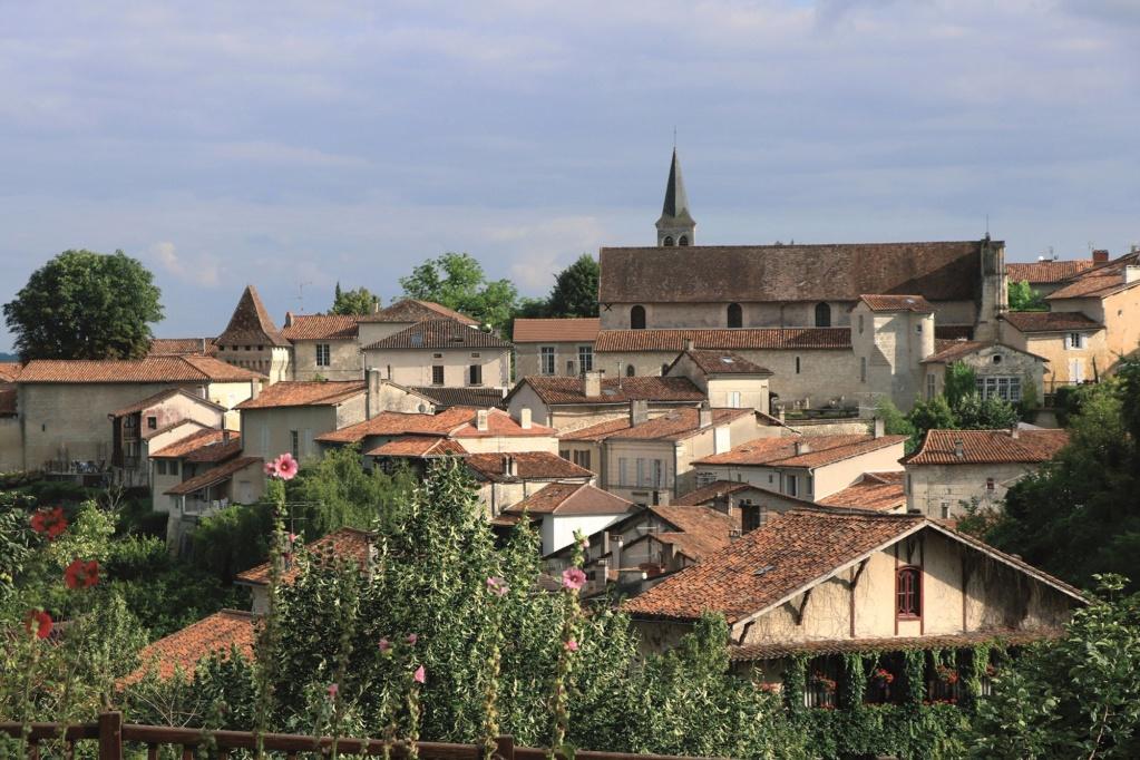 Les plus beaux villages de France  Aubete10