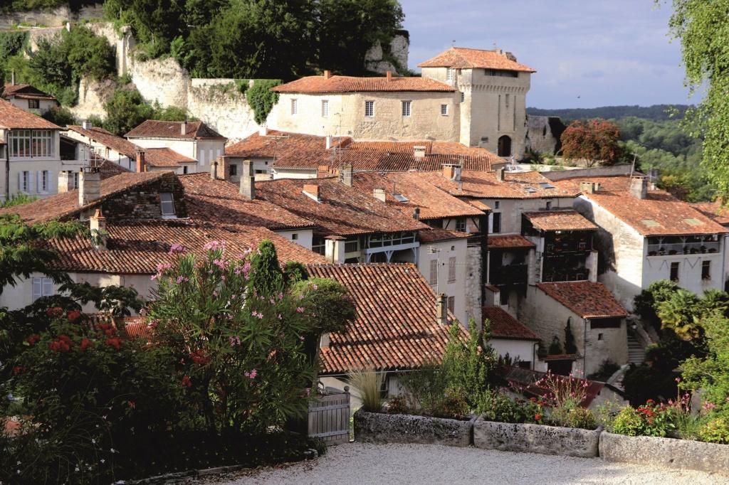 Les plus beaux villages de France  Aubete11