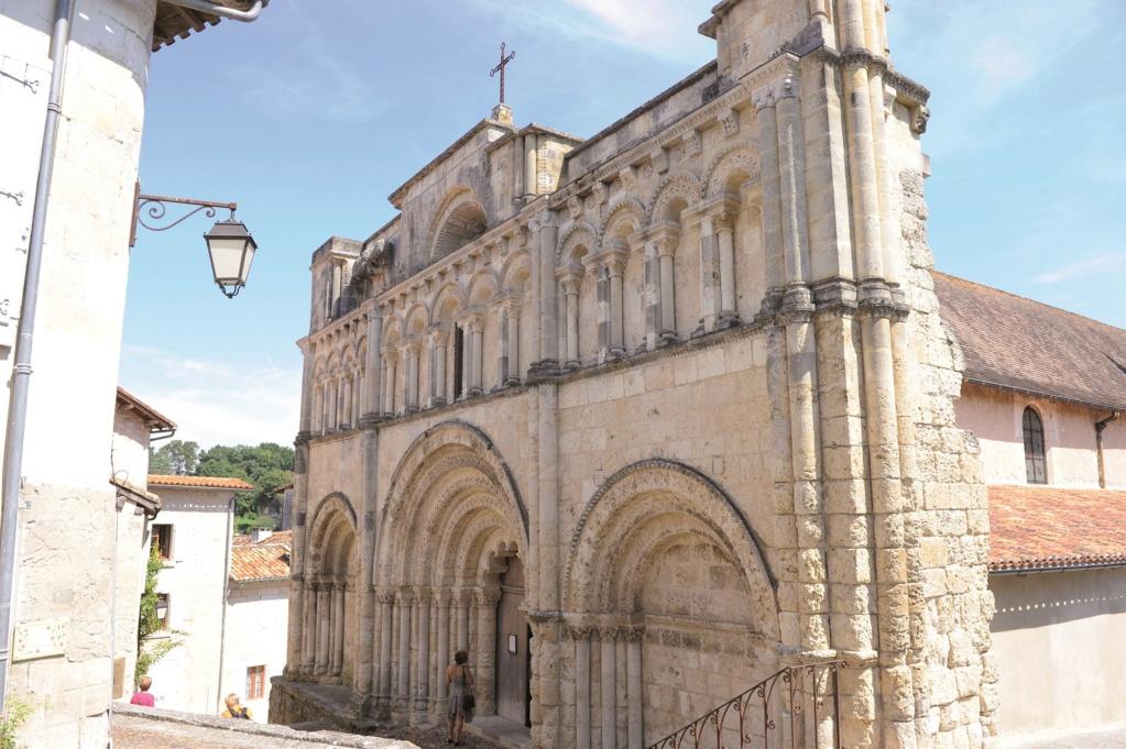 Les plus beaux villages de France  Aubete12