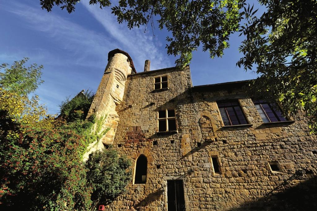 Les plus beaux villages de France  Autoir11