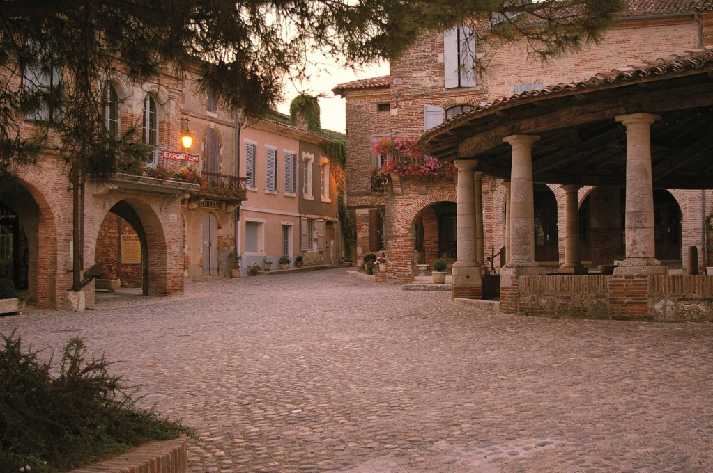 Les plus beaux villages de France  Auvill10