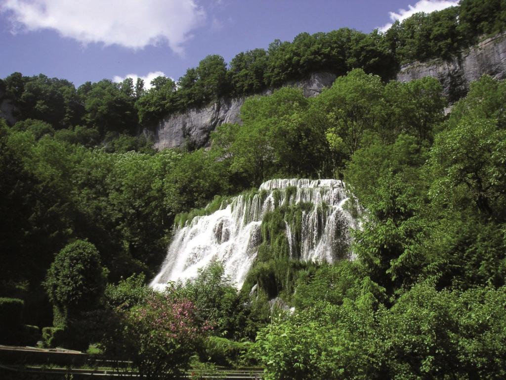 Les plus beaux villages de France  Baume-11