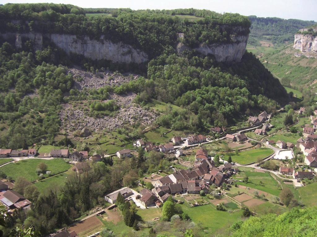 Les plus beaux villages de France  Baume-13