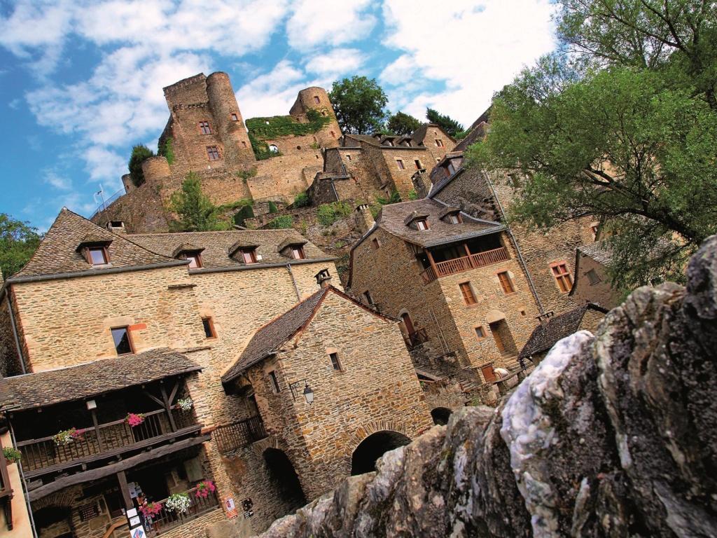 Les plus beaux villages de France  Belcas10