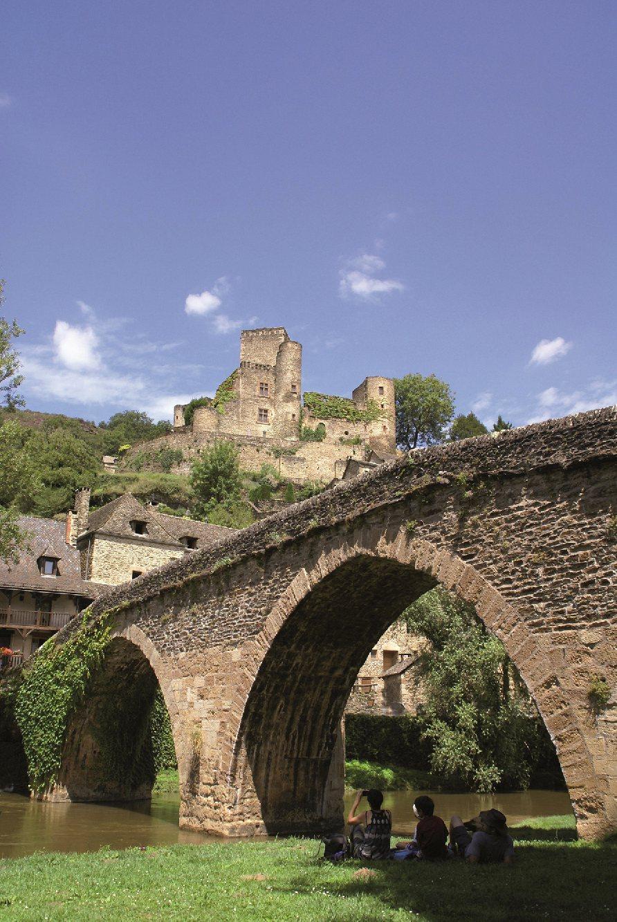 Les plus beaux villages de France  Belcas11