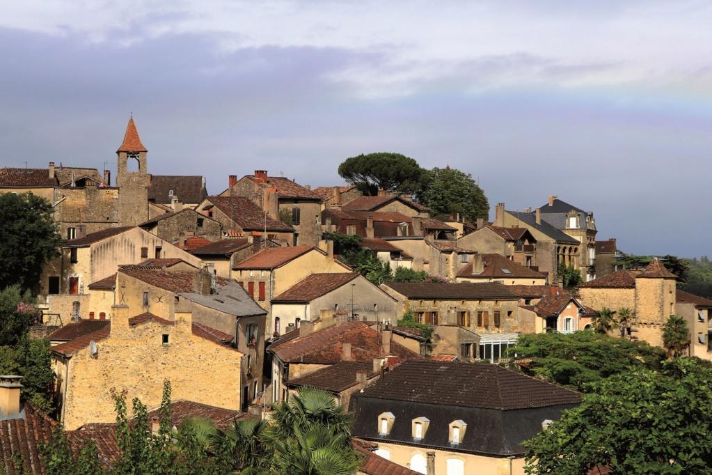 Les plus beaux villages de France  Belves13