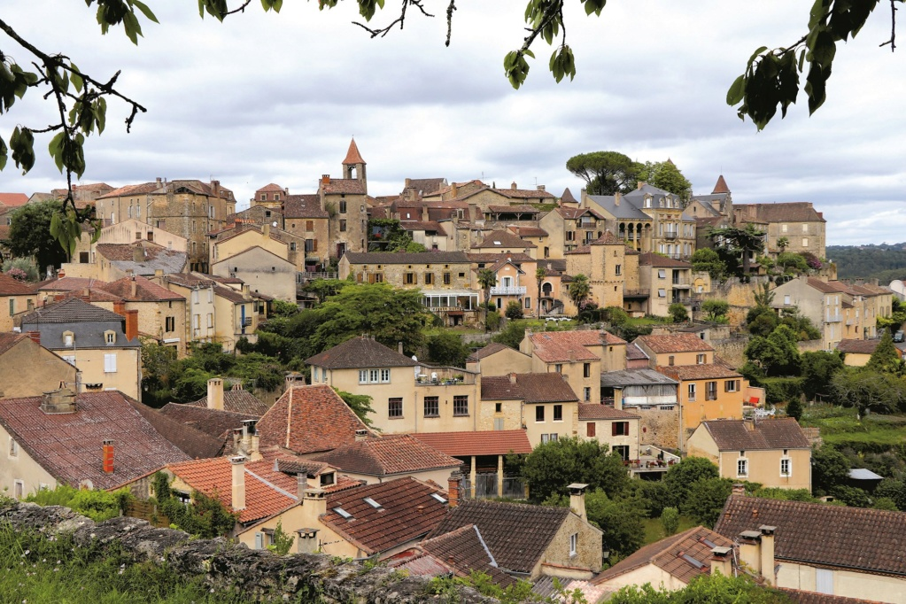 Les plus beaux villages de France  Belves14