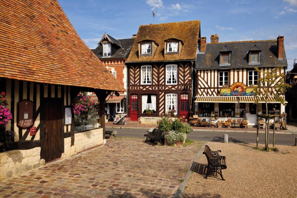 Les plus beaux villages de France  Beuvro11