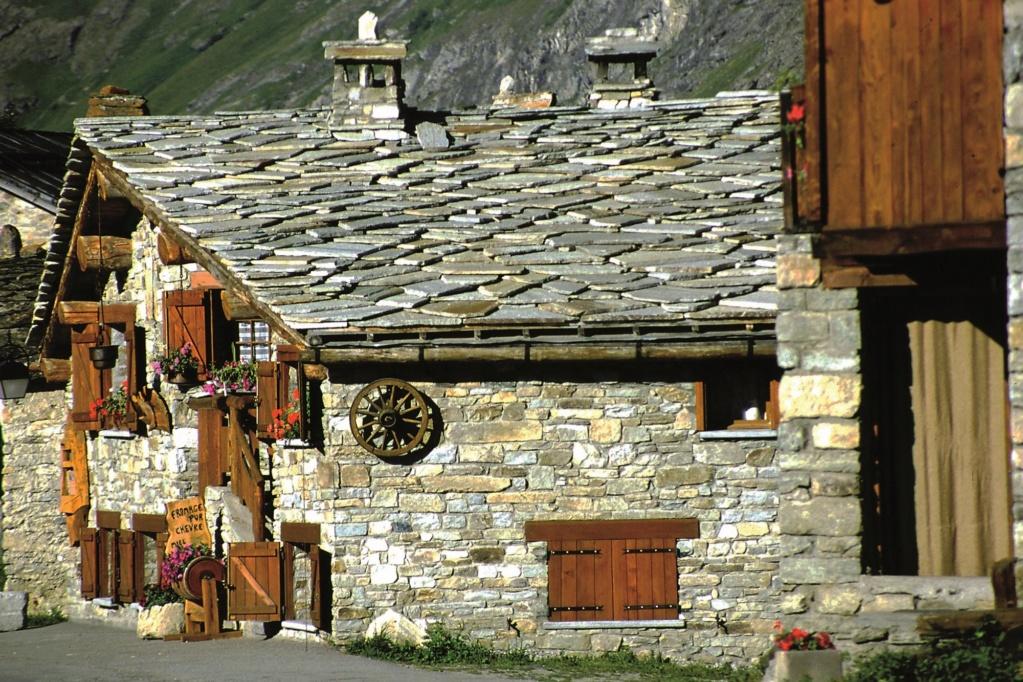 Les plus beaux villages de France  - Page 2 Bonnev11
