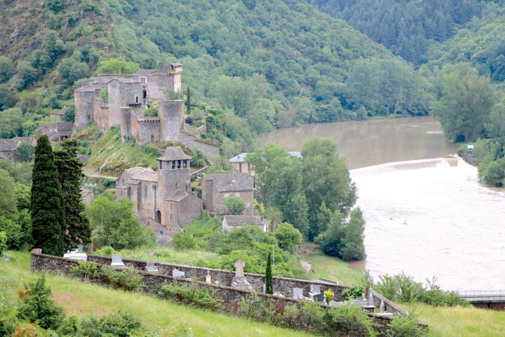 Les plus beaux villages de France  - Page 2 Brouss12