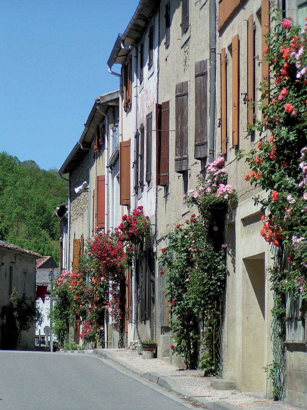 Les plus beaux villages de France  - Page 2 Camon-10
