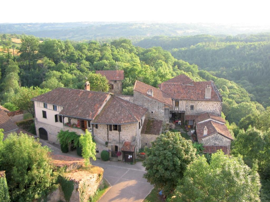 Les plus beaux villages de France  - Page 2 Cardai11