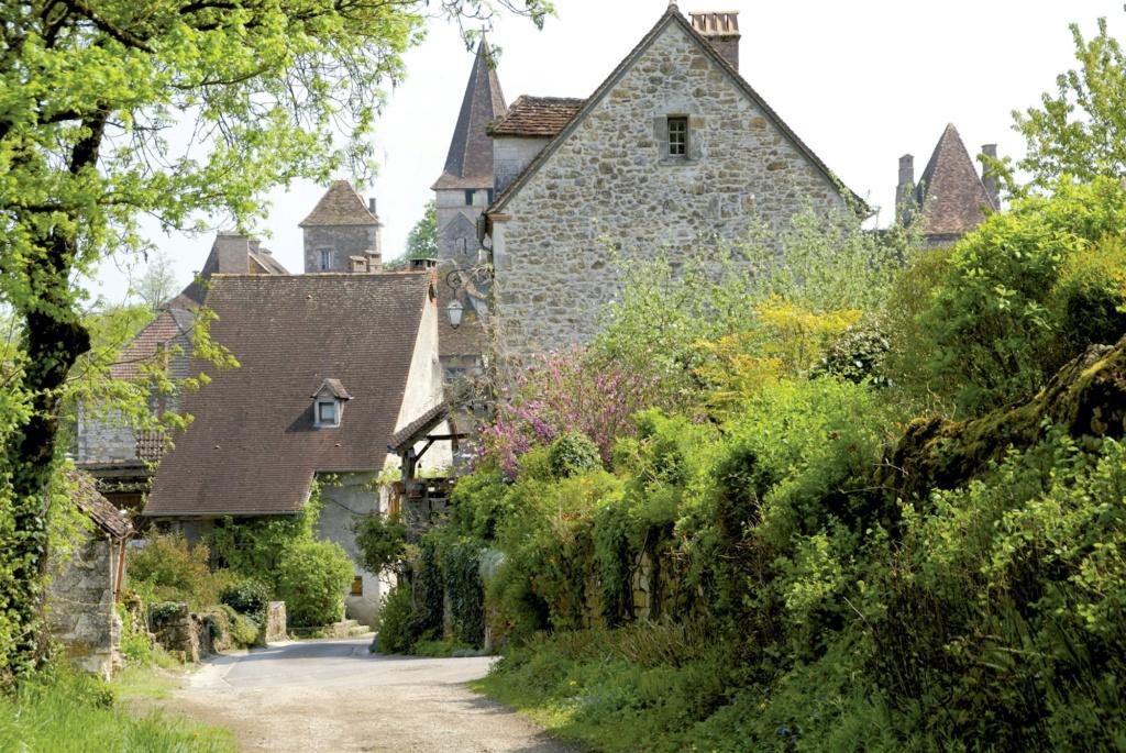 Les plus beaux villages de France  - Page 2 Carenn10