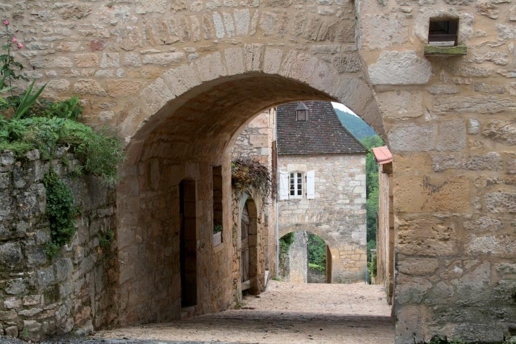 Les plus beaux villages de France  - Page 2 Castel15