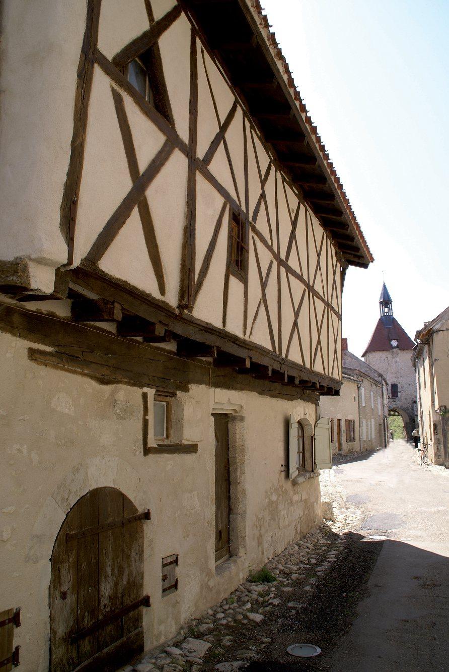 Les plus beaux villages de France  - Page 2 Charro12