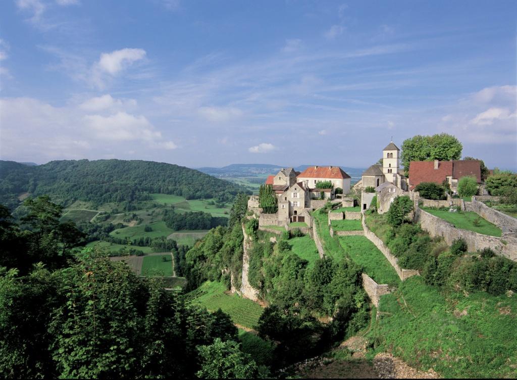 Les plus beaux villages de France  - Page 2 Chatea10