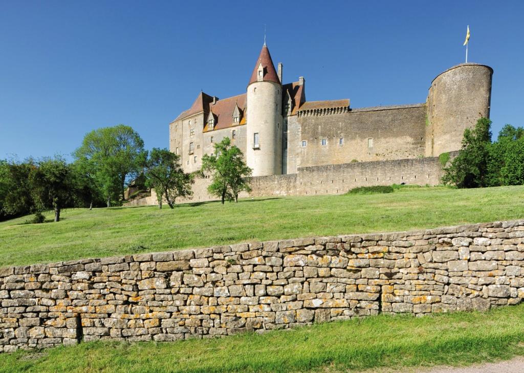 Les plus beaux villages de France  - Page 2 Chatea14